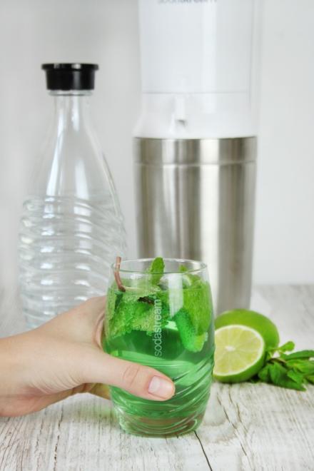 Acqua aromatizzata alla menta e lime
